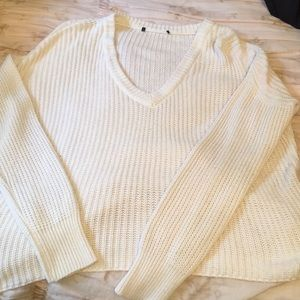 Brandy Melville Sweaters - SUPER CUTE WHITE SWEATER